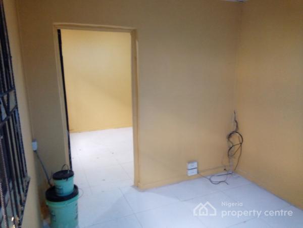 a Lovely Clean Mini Flat @ Onike Behind Unilag Yaba, Behind Unilag, Onike, Yaba, Lagos, Mini Flat for Rent