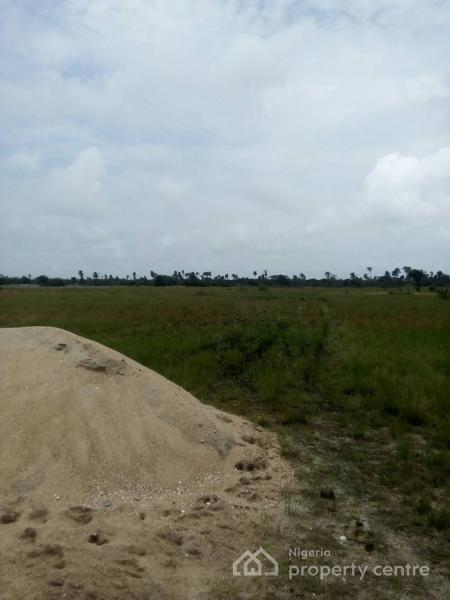 Dry Land, Bare Land, Facing The Road, No Extra Charges. 5 Minutes From Dangote Refinery and Lekki Free Trade Zone, in Nigeria., 5 Minutes From Dangote Refinery and Lekki Free Trade Zone, in Nigeria., Akodo Ise, Ibeju Lekki, Lagos, Residential Land for Sale