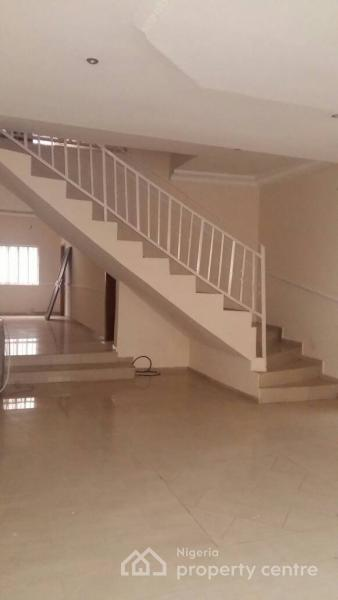 Strategic 4 Bedrooms, Off Fola Osibo, Lekki Phase 1, Lekki, Lagos, Semi-detached Duplex for Rent