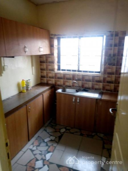 Very Neat 3 Bedroom, Lawanson, Surulere, Lagos, Flat for Rent