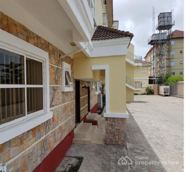 Duplex Housing For Rent: For Rent: A Newly Renovated 3 Bedroom Terrace Duplex