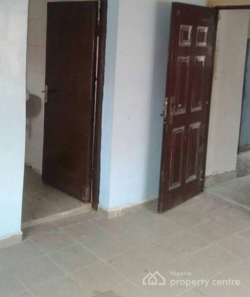 2 Bedroom Flat, Lawanson, Surulere, Lagos, Flat for Rent