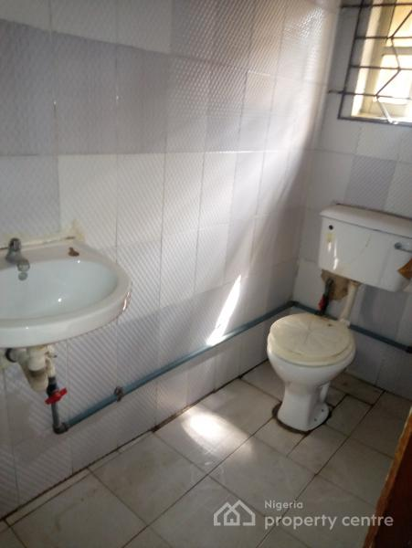 Decent Spacious with Convenience 3 Bedrooms All Rooms En-suite, Jibowu, Yaba, Lagos, Flat for Rent