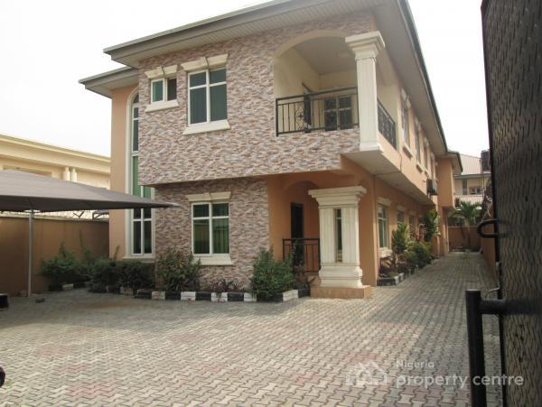 Nice 3 Bedroom Flat with Good Finishing, Off Admiralty Way, Lekki Phase 1, Lekki, Lagos, Flat for Rent