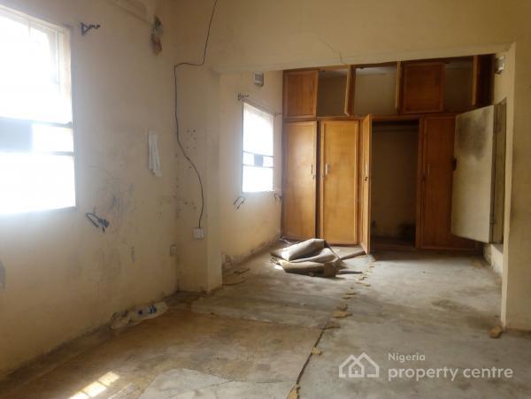 Very Wide Two Tenant 3 Bedroom, Akoka, Yaba, Lagos, Flat for Rent