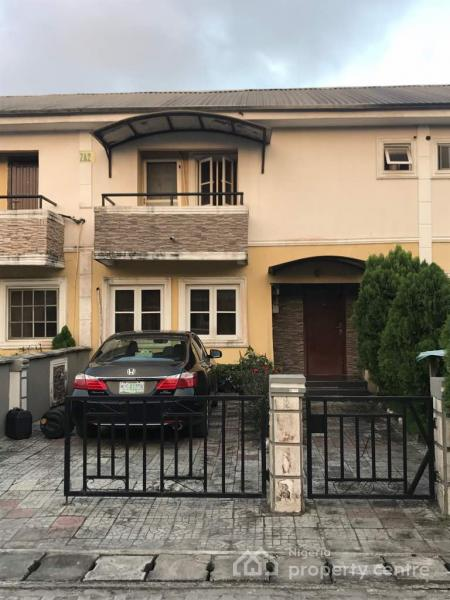 3 Bedroom Duplex House With Swimming Pool In 200 Sq Yards: For Rent: Luxury 3 Bedroom Duplex, House 2, Prof Aduayi