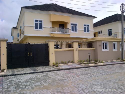 For Sale 5 Bedroom Duplex With Boys Quarters Chevy View