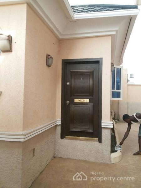 New One Bedroom Flat (bq)  in Apo Mechanic Near Tyre Plaza/shoprite, Apo Mechanic, Near Tyre Plaza/shoprite, Apo, Abuja, Mini Flat for Rent