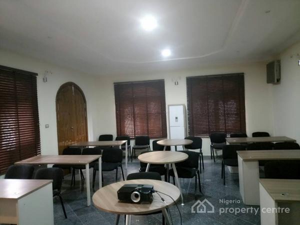 Boardroom/meeting/ Training Room, Plot 29 Awudu Ekpekha Boulevard, Off Admiralty Way, Lekki Phase 1, Lekki, Lagos, Conference / Meeting / Training Room for Rent