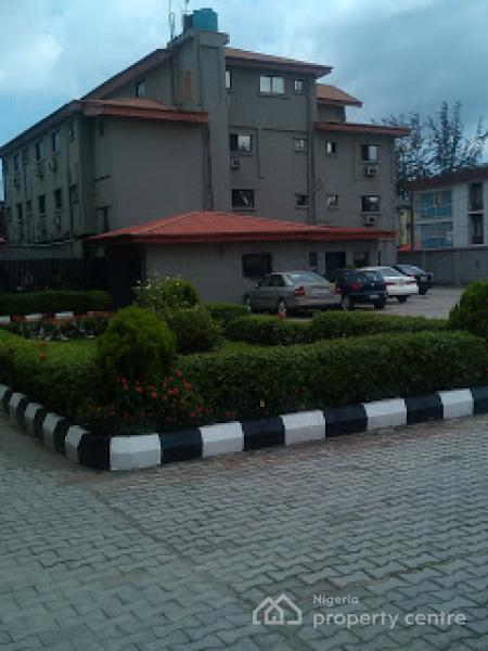 For sale 57 rooms of functional hotel toyin street for Houses for sale with suites