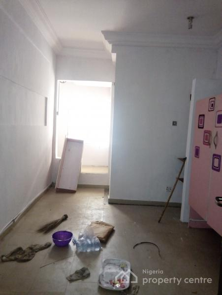 Luxury Single Room Self Contained, Yaba, Lagos, Self Contained (studio) Flat for Rent