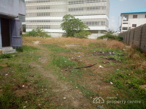 2000m² of Bare Land in a Low Density Area, Off Kasumu Ekmode, Victoria Island (vi), Lagos, Mixed-use Land for Sale