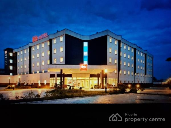 Hotels guest houses for sale in ikeja lagos nigeria for Houses for sale with suites
