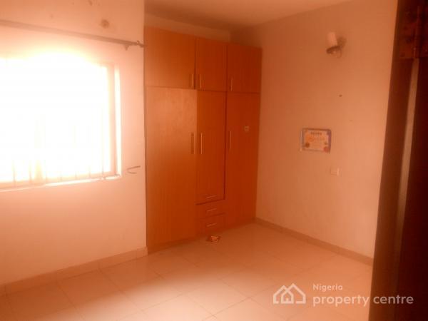 3bedroom Flat, Olayinka Balogun Street, Gra, Magodo, Lagos, Flat for Rent