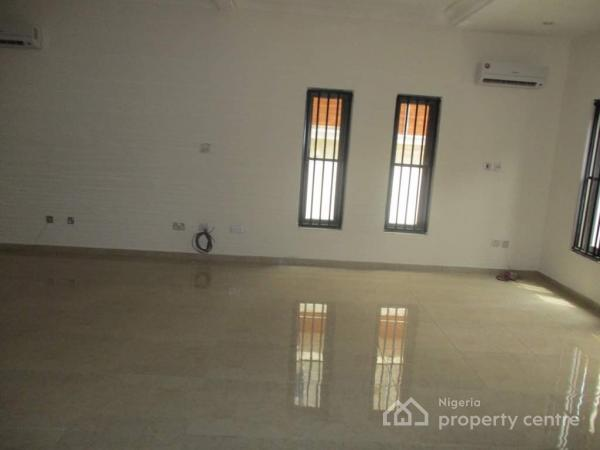 Well Finished 4 Bedrooms Terrace Duplex, Osapa, Lekki, Lagos, Terraced Duplex for Rent