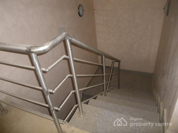 in an Estate 3 Bedrooms, 2 Sitting Room + Bq, Utako, Abuja, Terraced Duplex for Rent