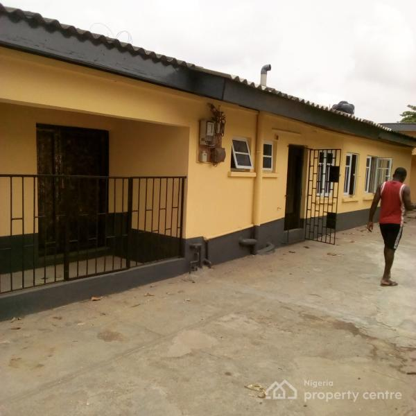 For Rent: 3 Bedroom Newly Renovated , Eric Moore, Surulere