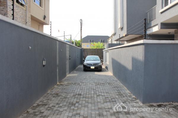 3 Bedroom Terrace, Off Silverbird Road, Jakande, Lekki, Lagos, Terraced Duplex for Rent
