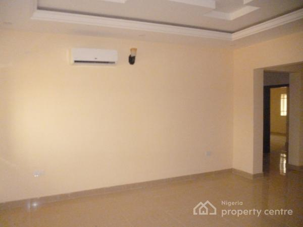 Newly Finished and Serviced 6 Units of 3 Bedroom Flat, Gilmor Area, Jahi, Abuja, Flat for Rent