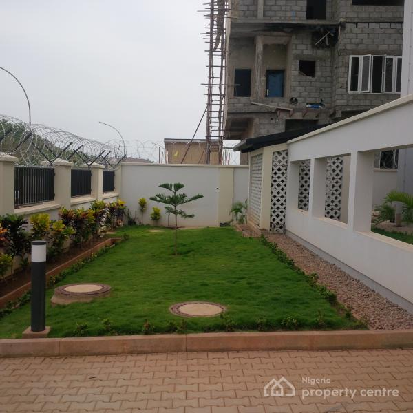3 Bedrooms Apartment For Rent: For Rent: Brand New & Serviced 6 Units, 3 Bedrooms