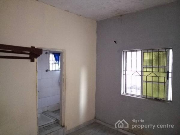 Mini Flat ( All Rooms En Suite), Off Folaagoro, Fola Agoro, Yaba, Lagos, Mini Flat for Rent