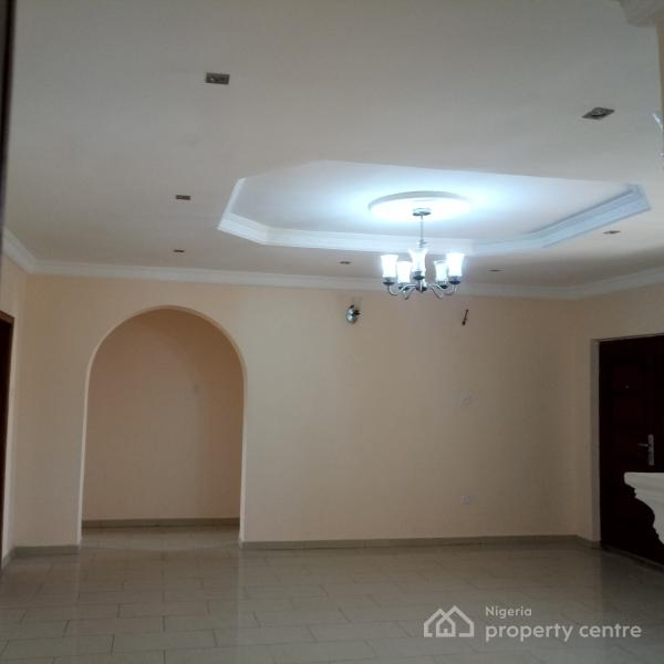 Nice 3 Bedroom House For Rent: For Rent: Well Finished Super 3 Bedroom Apartment With All