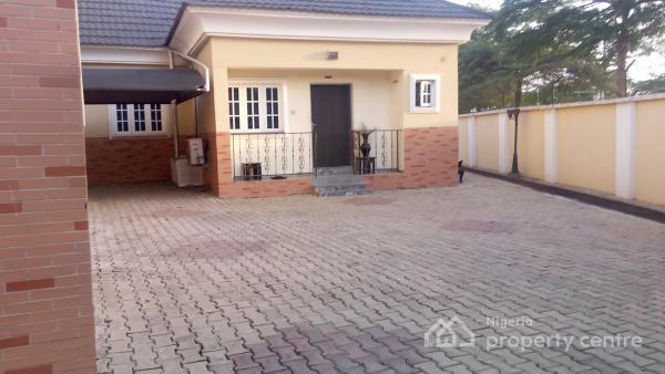 Luxury N Lavishly Serviced 1 Bedroom Flat, Cooker, Micro Wave, Ac, 17hrs Power Supply, Dstv Connection, Utako, Abuja, Mini Flat for Rent