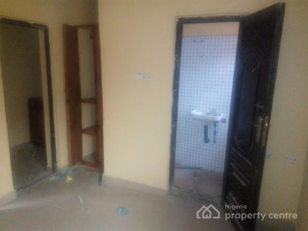 a Room Self Hostel, Moronfolu Str, Close to Unilag, Akoka, Yaba, Lagos, Self Contained (single Rooms) for Rent
