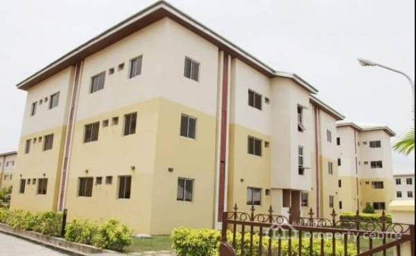 Distressed 3 Bedroom Finished Luxury Apartment in a Service Estate with( Mortgage Option Is Available), By Novara Mall, Sangotedo, Ajah, Lagos, Flat for Sale