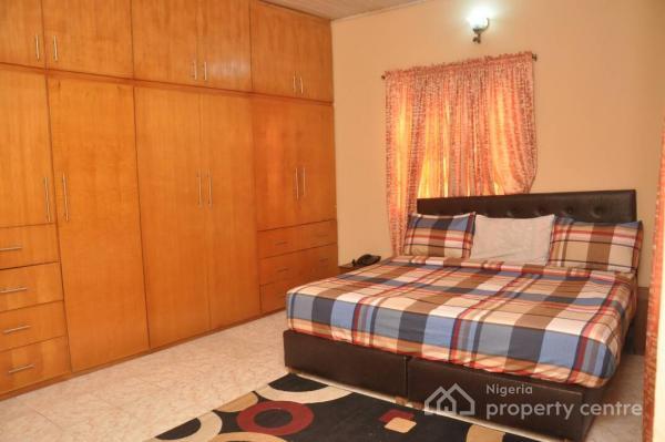Luxury 2 Bedroom Flat, Off Admiralty Way, Lekki Phase 1, Lekki, Lagos, Flat Short Let