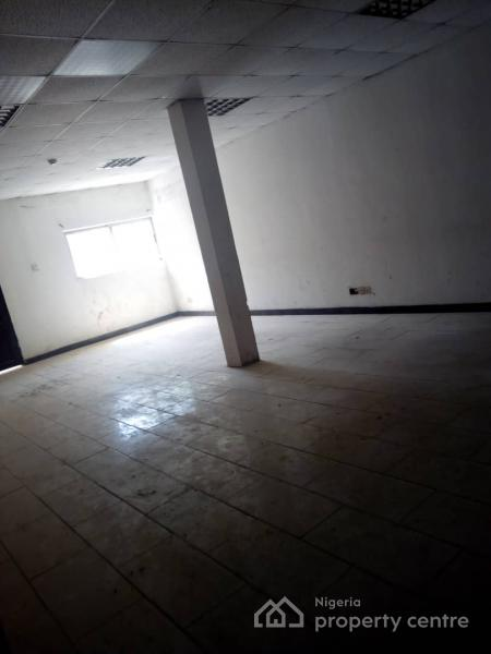 Massive Office Building on 2 Floors Affording a Lettable Space of About 1300sqm, Saka Tinubu Street, Victoria Island (vi), Lagos, House for Rent