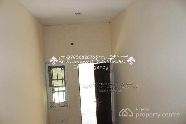 Self Contain Bq  Lekki Phase 1, Lekki, Lagos, Self Contained (single Room) for Rent