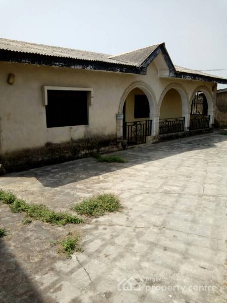 5 Bedroom Bungalow, Along Ebute Road, Ibafo, Ogun, Detached Bungalow for Sale