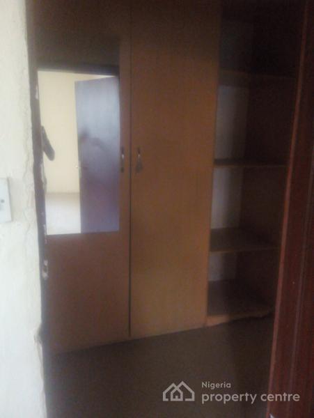 Massively Spacious 3 Bedroom Flat Plus Bq, Off Babatunde Anjous, Lekki Phase 1, Lekki, Lagos, Flat for Rent