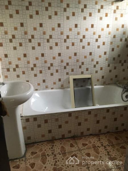 Neat 3 Bedroom Flat, at Morgan Estate, Ojodu, Lagos, Flat for Rent