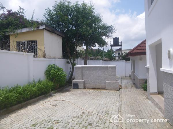 Tastefully and Luxury Finished 6 Bedroom Fully Detached Duplex with 2 Rooms Bq ,garden, Spacious Compound, Maitama District, Abuja, House for Rent