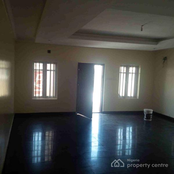Tastefully Finished Duplex with Bq, Illasan, By World Oil, Ikate Elegushi, Lekki, Lagos, Semi-detached Duplex for Rent