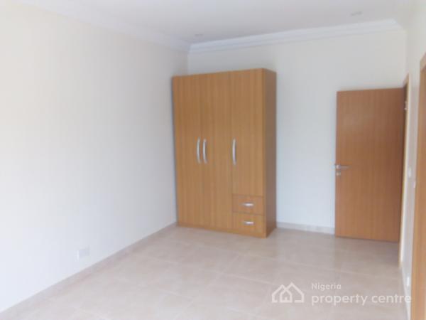 V.i.p 4 Bedroom Semi Detached Duplex with 2 Bedroom B/q, Vgc, Lekki, Lagos, Detached Duplex for Sale