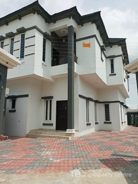 Spacious 4 Bedroom  Semi-detached Duplex with Bq Inside an Estate, By Chevron Toll Gate, Lekki Expressway, Lekki, Lagos, Semi-detached Duplex for Rent