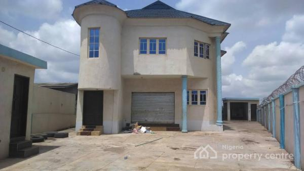 Commercial Building, Ife Road, Close to Nigerian Breweries, Ibadan, Oyo, Office Space for Rent