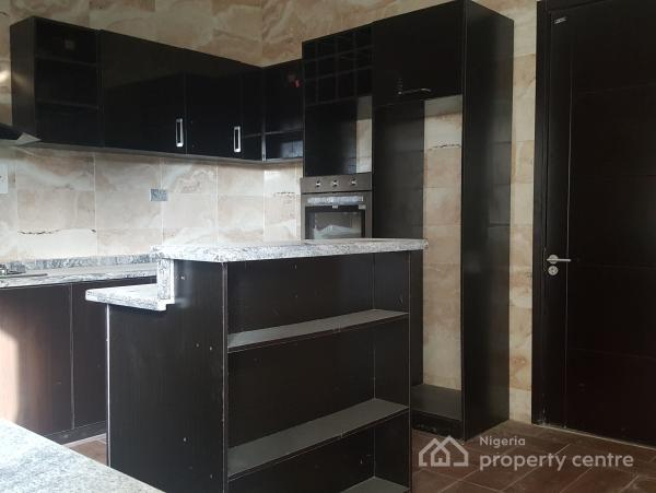 Its a Fabulous 5 Bedroom Detached House with a Well Fully Fitted Kitchen., Lekki, Lagos, Detached Duplex for Sale