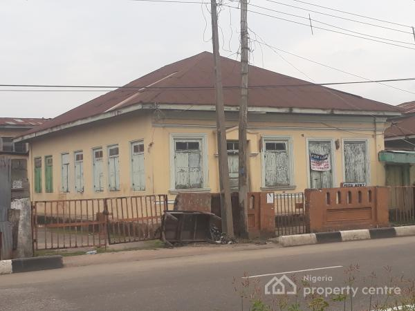 Exclusive Bungalow with 12 Rooms, Adekunle, Yaba, Lagos, Terraced Bungalow for Rent