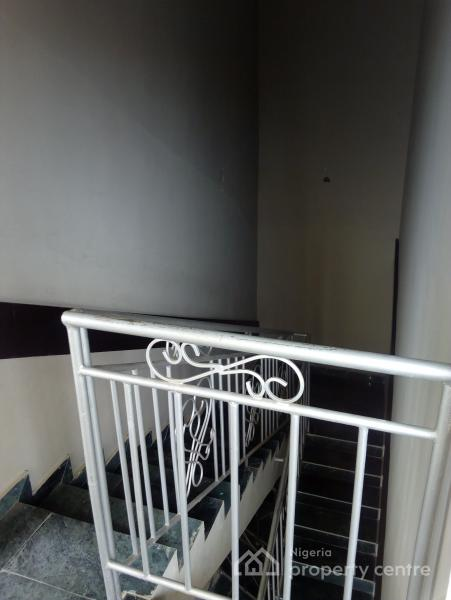 Clean Upstairs 2bedroom Service Apartment on Interlocking Road, Within an Estate Around Blenco Supermarket, Before Shoprite, Sangotedo, Ajah, Lagos, Flat for Rent