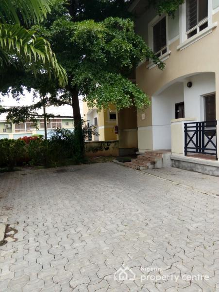 Tastefully Finished N Serviced 4 Bedroom Semi Detached Duplex with Servant Quarters, Lush Green Areas, 24hrs Light/ Uniform Security, Wuse 2, Abuja, Semi-detached Duplex for Rent