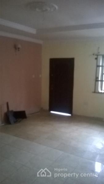for rent: almost new 2 bedroom en suite, ground floor flat , anthony