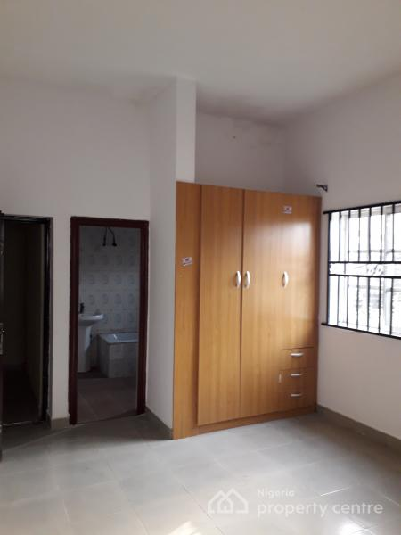 Spacious 3 Bedroom Flat with Massive Car Park, Agungi, Lekki, Lagos, Flat for Rent