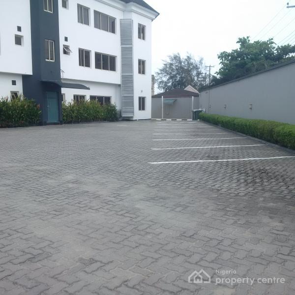 Three Bedroom  Apartment, Lekki Phase 1, Lekki, Lagos, Flat for Rent