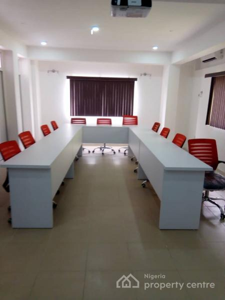 Conference Room, Hughes Avenue, Alagomeji, Yaba, Lagos, Conference / Meeting / Training Room for Rent