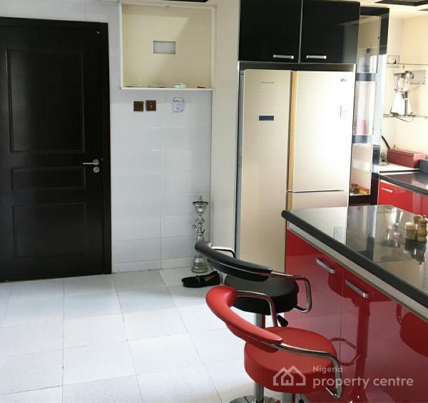 Tastefully Built Unfurnished 3 Bedroom Flat with Pool & Gym, Lekki Phase 1, Lekki, Lagos, Flat for Rent