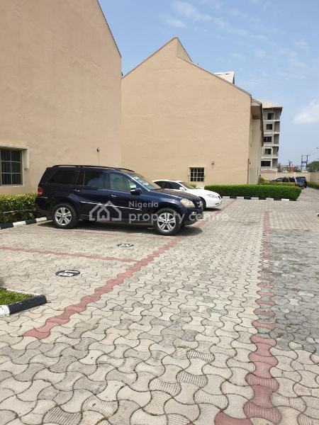 a Luxury 4 Bedroom Terrace Apartment with a Pool & Gym, Admiralty Road, Lekki Phase 1, Lekki, Lagos, Terraced Duplex for Rent